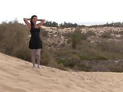 Milf in dunes very hot