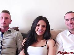 Le premier trio d'Angelica jeune debutante naive