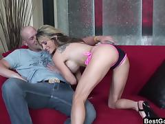 Bigtitted babe chokes and fuck a big cock