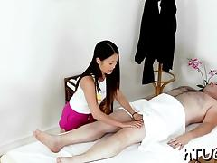 Asian hottie gives chap a rub with a happy ending