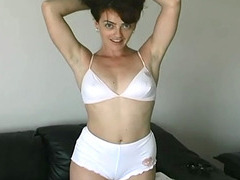 Slutty real amateur chick treats cock like a yummy lollipop
