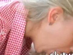 Brainparking blond gives luxury blowjob