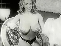 Giggly Lady Wants to Put a World Record 1950 porn video