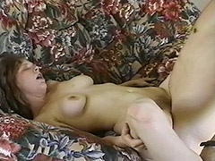This Hairy Amateur Really Knew that after Such a Good Sucking Her Face will be Covered with Cum porn video
