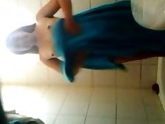 Mi Tia En El Ba o parte2 dgs