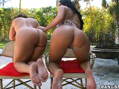 Richelle Ryan and Bella Shake their Booties and get Fucked by the Poolside