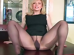 Glamorous Nina Hartley in pantyhose