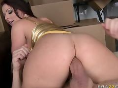 Bootylicious Redhead Anal Slut Sophie Dee Gets Fucked By The Mailman