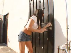 Hot Brunette Stephanie Cane Loves A Brutal Hardcore Bang