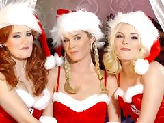 Nasty girls have lesbian threesome sex on Christmas Eve