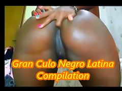 African slut on webcam dancing fingering her gran culo ass