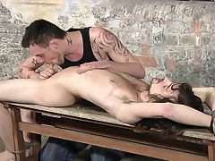 Adam Watson sucking huge hard cock of Sean Saint