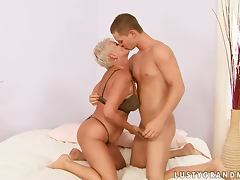Sex Teacher Cecily Showing a Teen Cock How To Fuck a Woman porn video
