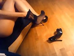 LadyMM italian MILF high heels and pantyhose