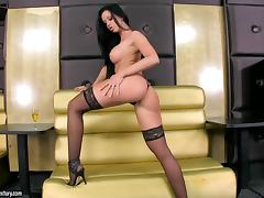 Desirable brunette siren Larissa Dee knows what she needs