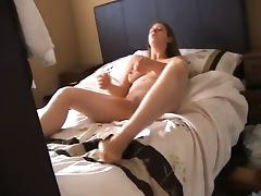 sister masturbating her wet pussy