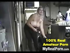 Busty amateur babe having a good time mrno