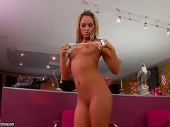 Aleska Diamond spreads her legs wide to play with her snatch