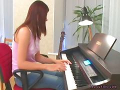 Two hot chisk has lesbian sex intead of piano practice