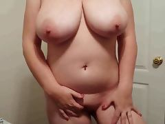 38H tits Lateshay slut in black mini