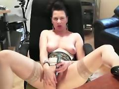Mina masturbates on the webcam