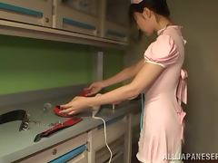 Tsubomi the hot housemaid gets her Asian pussy toyed