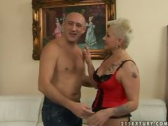 Fetish granny gets fucked by that strong man