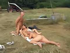 hawt double penetration in the fields