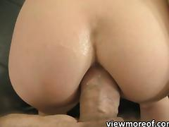 Teen Viktoria her holes gets penetrated
