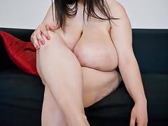 Alice 85JJ - Big Boobs Sexy Feet