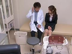 Gyno slammed his patient.s cunt in his doctor.s office porn video