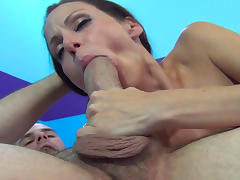 Skinny fake-tit beauty with shaved puss suck a dick