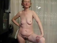 Granny Strpping porn video