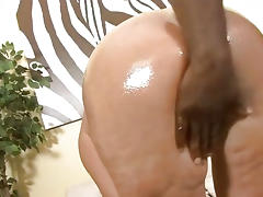 Milf Shakes Her Big Butt On Black Dick porn video