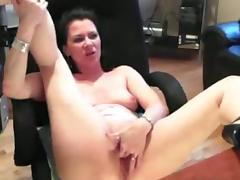 Amateur milf mina masturbates on webcam porn video