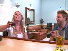 MILF Shawnie Austin Has a Few Drinks and a Hardcore Fuck at the Bar