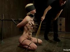 Cherry gives a blowjob, being blindfolded and twitched