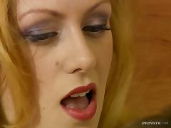 Kinky blond babe Vivienne La Roche gets it big