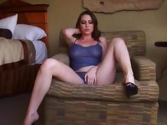 Megan Loxx suck that dildo in deepthroat mode