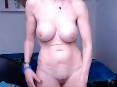 Granny shoing her sur per sexy body at bottom the webcam porn video