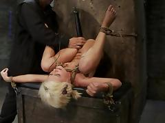 Luxury sex slave kelly Surfer is under some hunger
