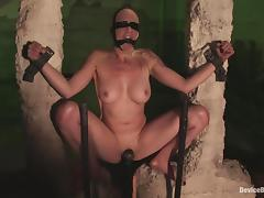 Lorelei Lee gets their way grab rubbed to orgasm in BDSM clasp