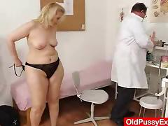 Matured enjoys someone's skin gyno exam