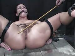 Sara Faye gets her off with transgressed and toyed relating to stunning BDSM clip