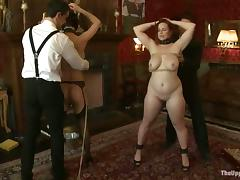 Bella Rossi gets a cock approximately her mouth added to a strapon approximately her abduct