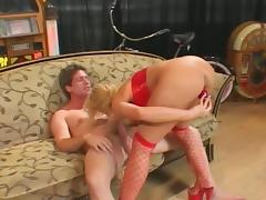 Nice shaved pussy on this cougar who is ready to fuck and ready to suck