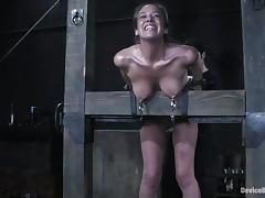 Jade Marxxx gets tortured to orgasm in amazing BDSM clip