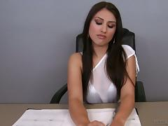 Dreaming to fuck this sexy babe in the office?