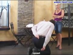 Under-Feet Video: Amanda porn video