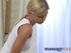 Young girl has session with blonde lesbian